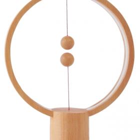 不思議!ふわふわ浮いたボールがスイッチの間接照明「Heng Balance Lamp」