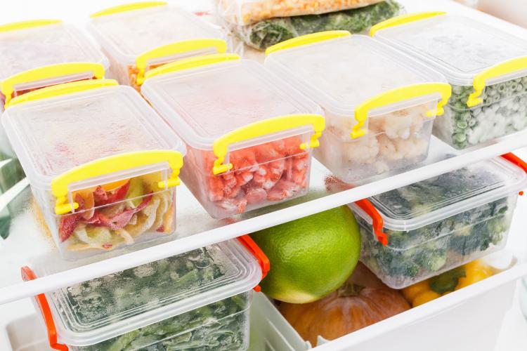 7割の共働き家庭が「冷凍庫パンパン」! 冷食・作り置きニーズ増加どう解決する?
