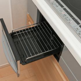 重曹を使った掃除「キッチン」編…魚焼きグリルのコゲも排水口のぬめりも重曹でスッキリ!