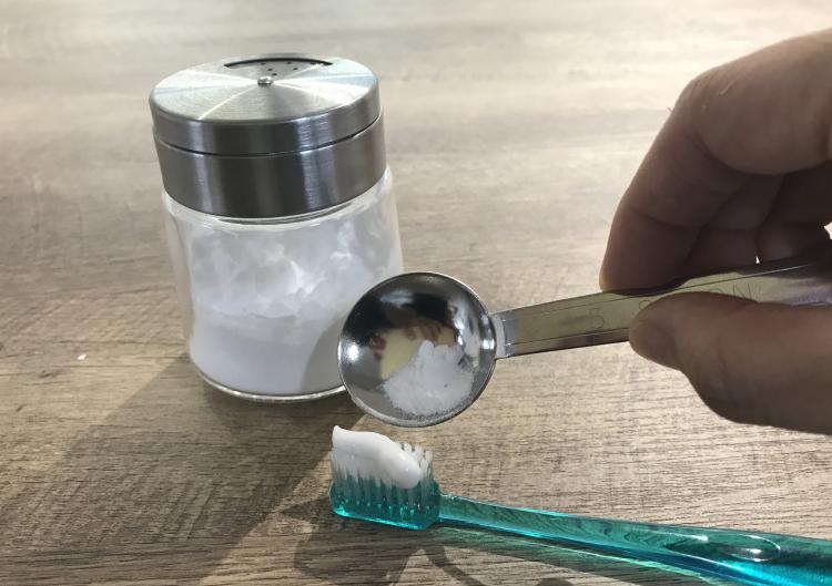 重曹一つで何役も!「歯磨き・うがい・洗顔」やり方と注意点