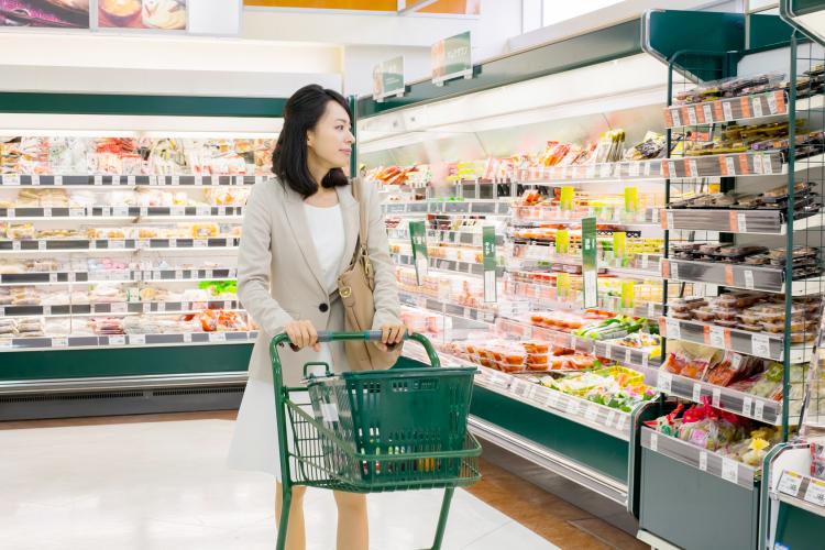 家族ウケ抜群!働く女性に聞く「夕飯作りをラクしたい時」よく買うお惣菜