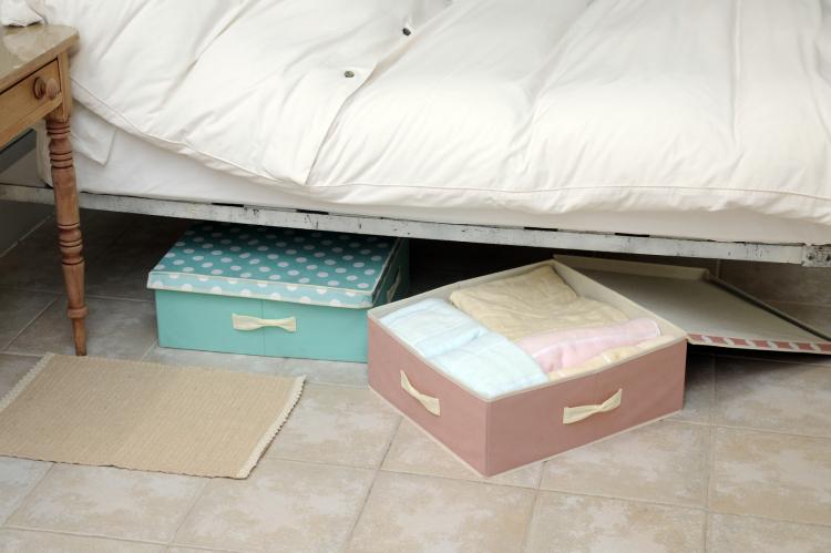無印、IKEAも活躍!スッキリ収まる!「ベッド下」の収納アイディア集【kufura収納調査隊】vol.45