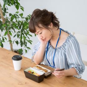 胃痛に吐き気…その不調は「胃腸が夏バテ」を起こしているのかもしれません