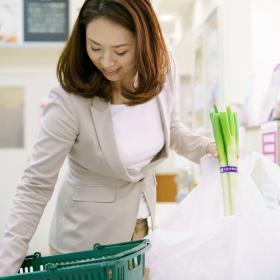 貯まる人が徹底している「買い物の習慣」とは?【貯まる共稼ぎvs貯まらない共稼ぎ vol.8】