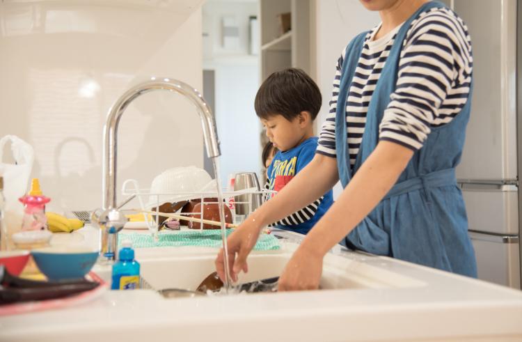 これぞ主婦の生きた知恵!「キッチンの洗い物」を劇的に減らす8つの方法