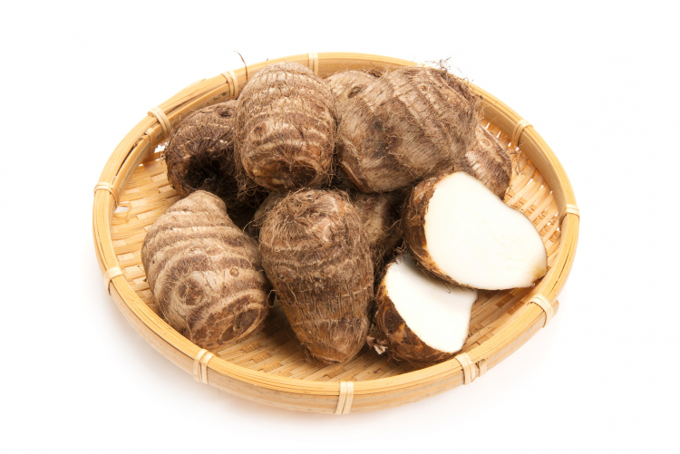 つるんと簡単皮むき!里芋の長持ち保存方法…選び方のコツから冷凍保存の仕方まで