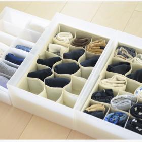 靴下の整理に無印や100均アイテムが大活躍!取り出しやすい「靴下」収納法【kufura収納調査隊】vol.50