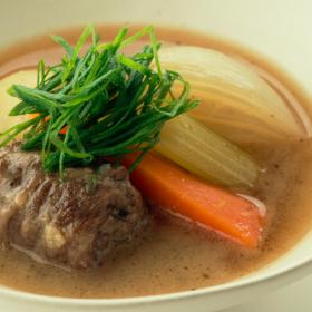 うまみと栄養を丸ごと!薄切り肉を使った「牛肉の和風シチュー」太らない・もたれない! 松田美智子の真夜中ごはん#6