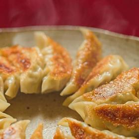 「餃子」と「焼売」食べるならどっち?外食ランチはこっちを選ぶと太りにくい!【ズルイ食べ方#3】