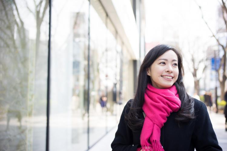 もう着膨れしない!「冬の通勤の防寒アイテム」働く女性536人が欠かせないものは?