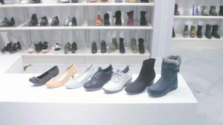 求めてやまない「疲れない靴」をABC-MARTに聞きました!オンでもオフでも使えるママ向けコンフォートシューズ7選