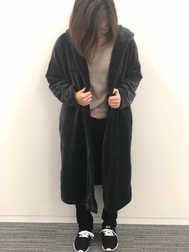 無印の「あたたかファイバー着る毛布フード付ガウンコート」