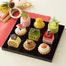 キュートなうりぼうにケーキのおせち!「スイーツ初め」銀座コージーコーナーから登場