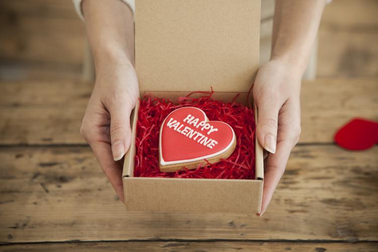 既婚男性144人に質問!貰って嬉しかった「妻からのバレンタインプレゼント」は?