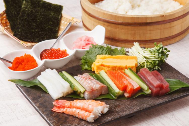 3位サーモンを超えた2位、1位は?家族に人気の「手巻き寿司の具材」ランキング