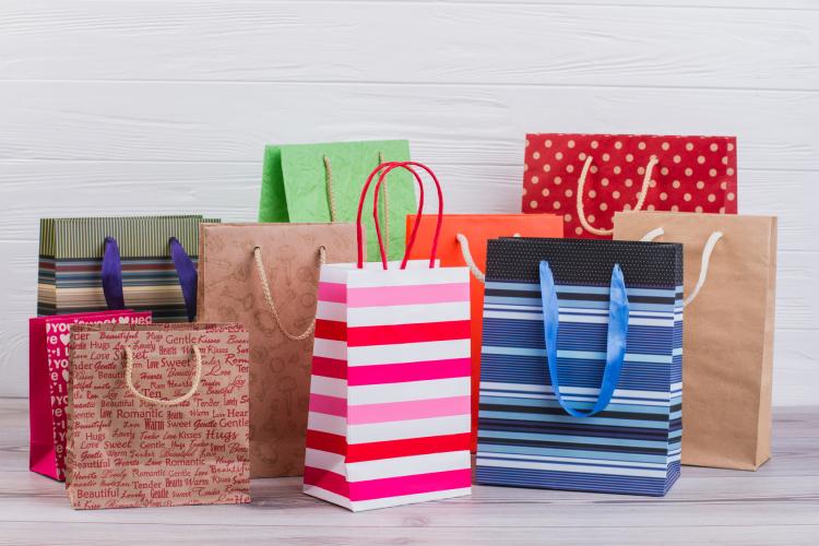 何枚ある?溜まりがちな「お店の紙袋」のマイ保管ルールを女性500人に大調査
