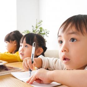 4位プログラミング、2位英語!この春から始めたい「子どもの習いごと」ランキング1位は…