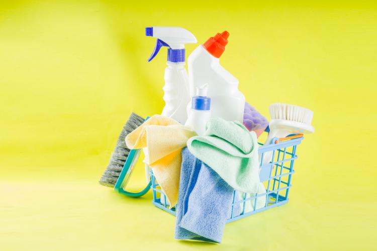 100均グッズも大活躍!主婦ぞっこん「掃除がはかどる便利アイテム」が集結
