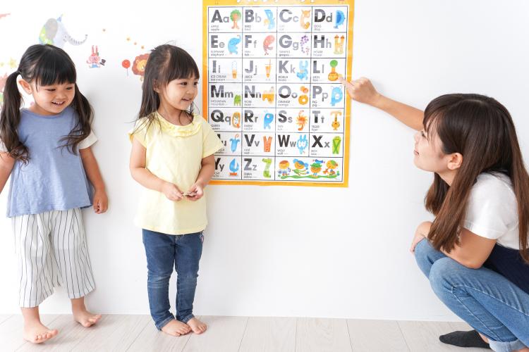 5位英語、3位体操!「女の子に習わせてよかった習い事」現役ママが選んだ1位は?