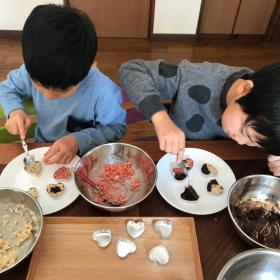 忙しくても子どもと手作りできる!「無印良品」のバレンタインキット、1時間以内で作れる7選