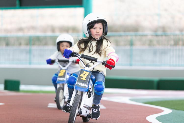 1人でバイクに乗れたよ!子どもと感動体験「鈴鹿サーキット」に4つのバイクアトラクションが誕生