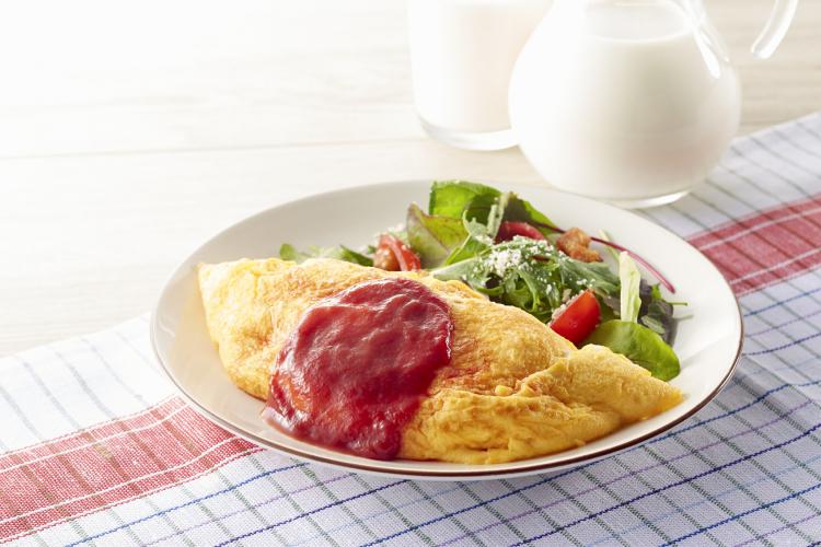 作ると家族がとっても喜ぶ!「人気の卵料理」5位味玉、2位オムライス、ダントツ1位は?