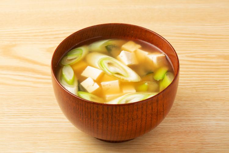 味変!味噌汁や豚汁にちょい足しすると美味しい調味料…真似したくなる意外な組み合わせ続々