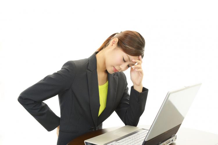 「デスクワークの座りっぱなし問題」解消法!みんなの工夫を集めました