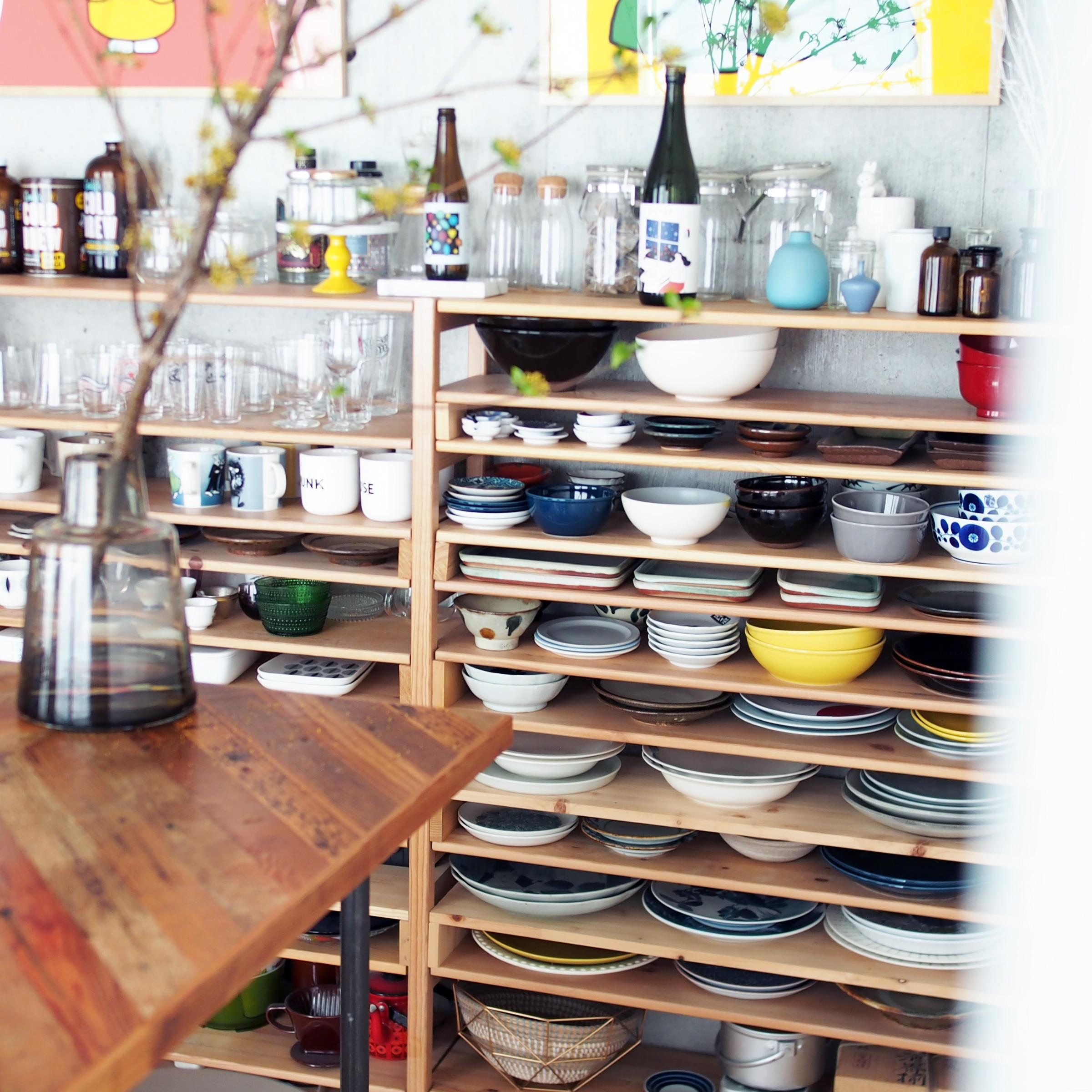 食器棚は奥に入れすぎないのがポイント! 心地よい素敵な部屋作りのヒント#1
