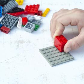 【レゴ収納】IKEAに100均ケース…みんなの「レゴ」の上手な収納術【kufura収納調査隊】vol.60