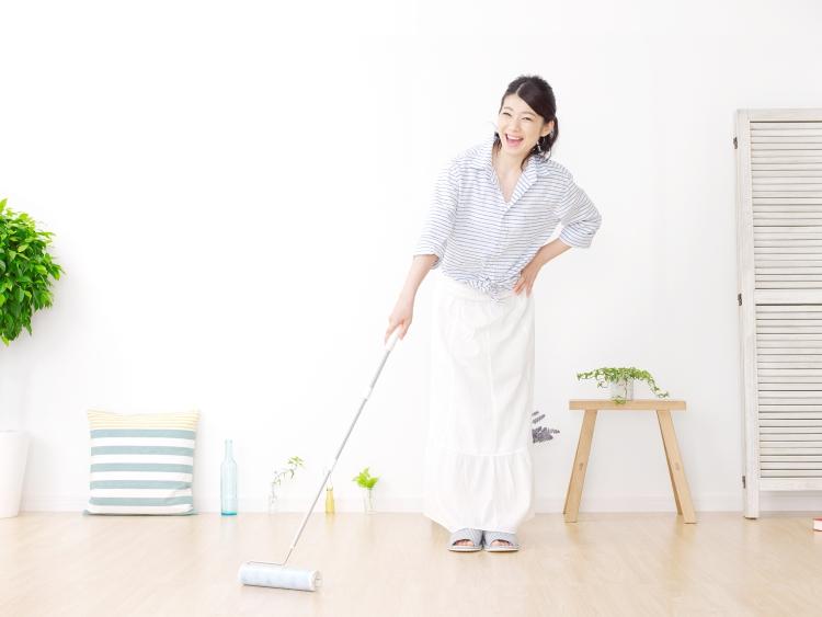 コロコロ最強説!実はアレも便利「ちょっとした掃除に使える」便利グッズ調査
