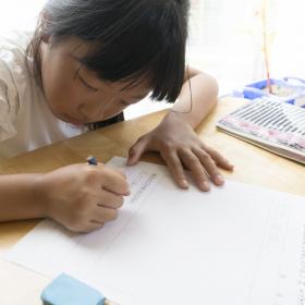 親はどこまでサポートする?夏休みのラスボス的「3大宿題」小学生ママ105人に聞いてみた…