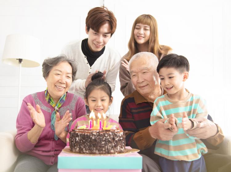 「わが子のお祝いイベント」自分の親・義理の親をよぶ・よばない問題…みんなはどうしてる?