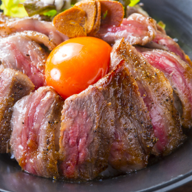 ジュワ~っと溢れる肉汁で元気100%!夏に作りたい「スタミナ肉料理」主婦293名に聞きました