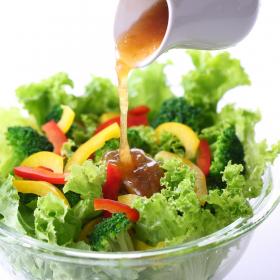 サラダの味が七変化!飽きずにもりもりいける…我が家の「自家製ドレッシング」レシピ