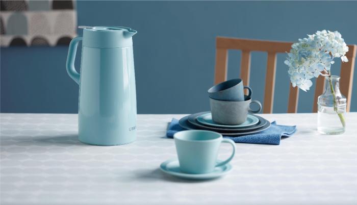 カフェのような空間を演出!「タイガー」より北欧風カラーのステンレスポットが新発売