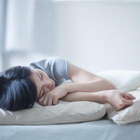 暑くて寝苦しい夜にサヨナラ!朝までぐっすり「快適に眠るための工夫」を調査