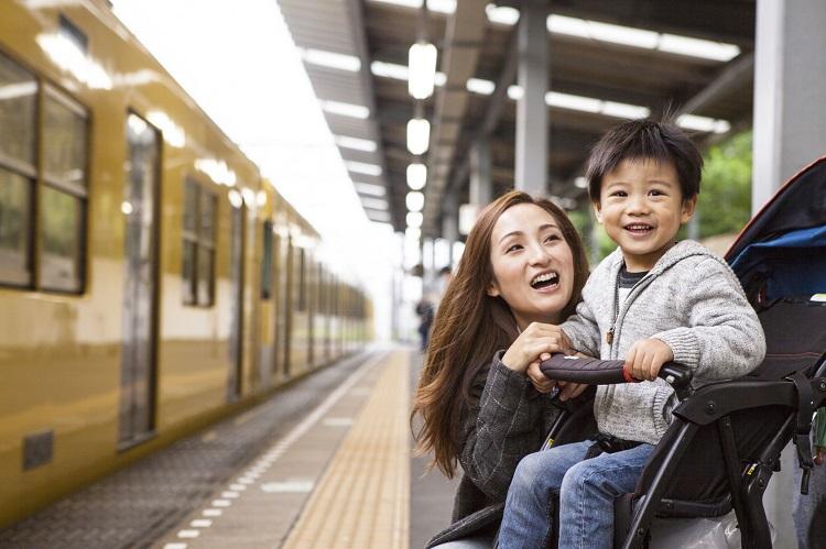 妊娠中の私に息子が…思わず感動!ママ233名に聞いた「電車&バスでの嬉しかったエピソード」