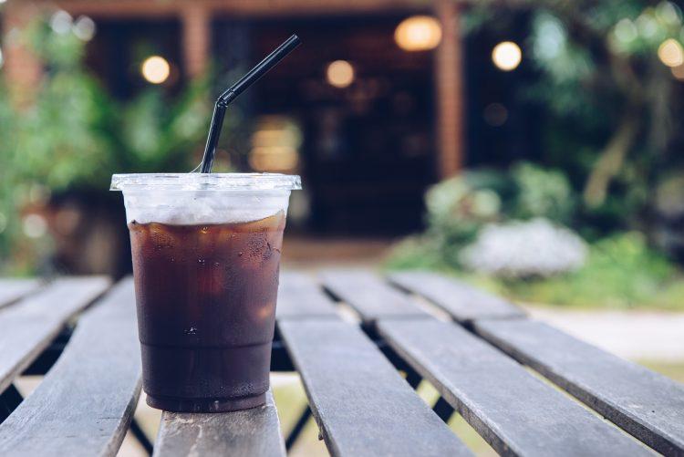 意外なドリンクが1位に!夏にコンビニでよく買う「冷たい飲み物」ランキング