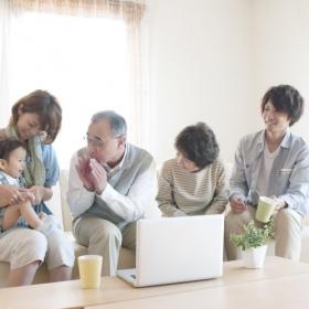 いまの親は…248人のシニア世代に聞いた「育児の世代間ギャップ」を感じてしまうこと