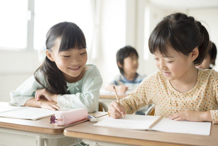 出欠連絡がアプリでできたら、どんなに楽か!学校連絡「スマホアプリでできたらいいな」を調査
