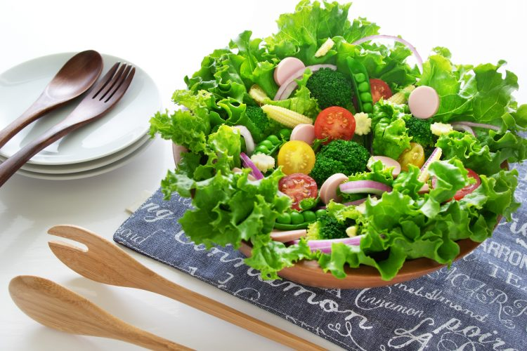 残暑を乗り切る!元気になれる「さっぱり系サラダ」レシピを500名に聞きました