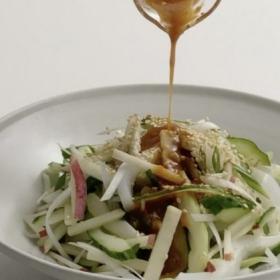 絶品お刺身サラダは韓国風!自家製コチュジャンの作り方も…「いかのフェ」松田美智子のサカナが食べたい!#5