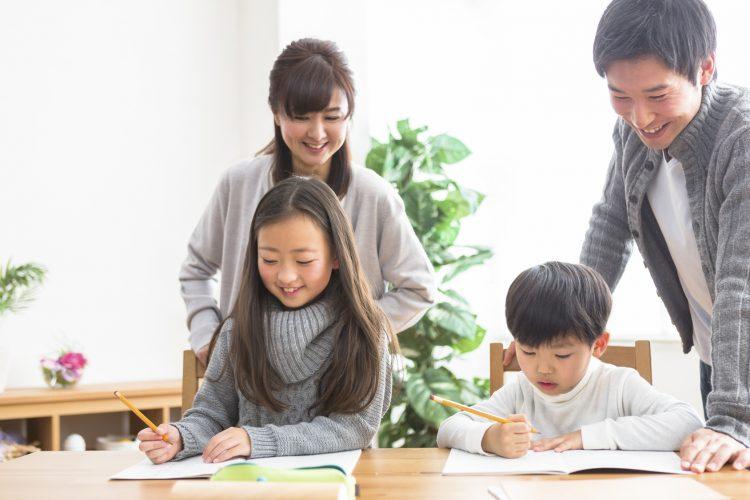 叱るポイントに習い事の選び方…!夫との「子育て・教育方針の違い」妻が感じる8つの火種