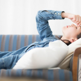 体調不良時の「ワンオペ育児」のつらさをわかって…家庭の緊急事態に夫に望むこと