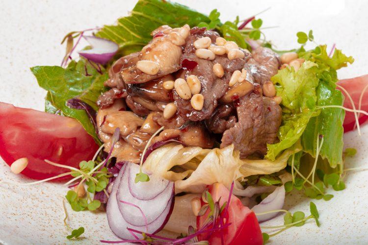 食欲の秋は「がっつりサラダ」!お腹も満たされて野菜をたっぷり摂れるレシピを大調査