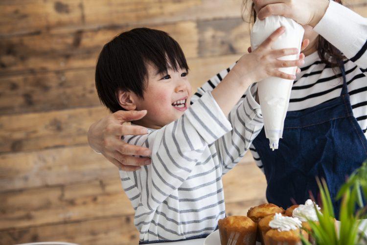 親子で楽しむ秋の味覚「秋の手作りおやつ」子どもと作ってよかったレシピは?