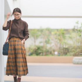 大流行中の「ブラウンコーデ」大人な秋冬の着こなしは?【kufuraファッション調査隊】