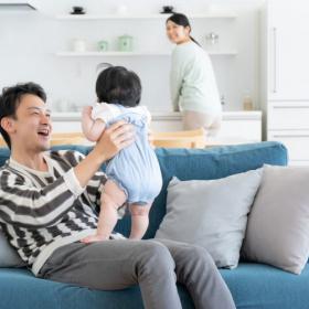 頼りになります!「夫が父親になったなぁ」と妻がしみじみ実感する瞬間とは?
