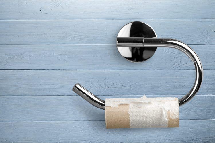 裏返しの靴下、洗面所の髪…で夫婦が険悪に!「小さな家事の苛立ち」の原因から見えるもの